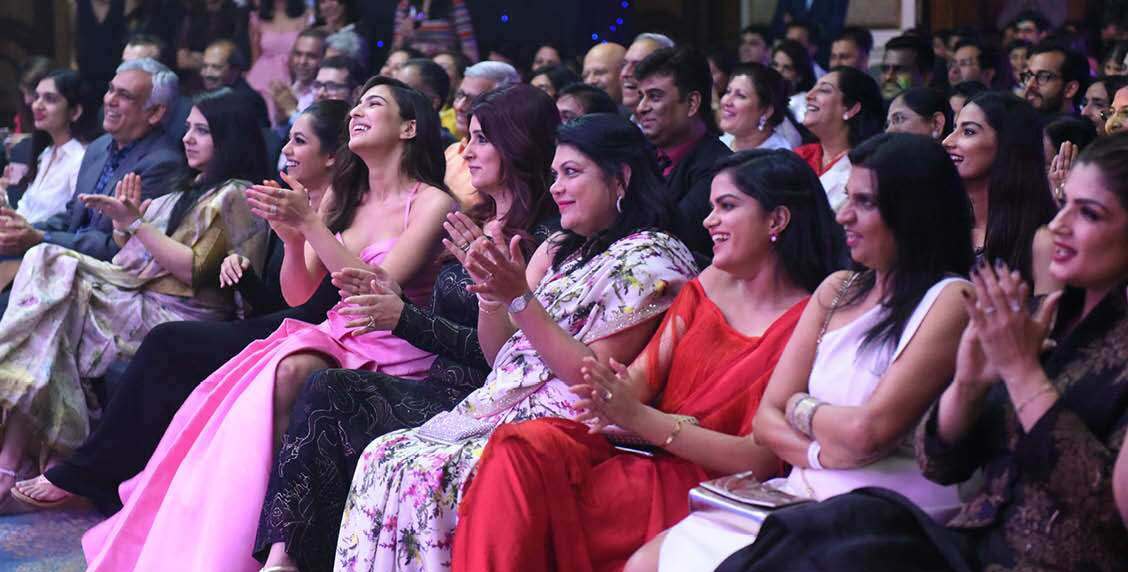 Sara Ali Khan, Twinkle Khanna and Falguni Nayar cheer the winner on