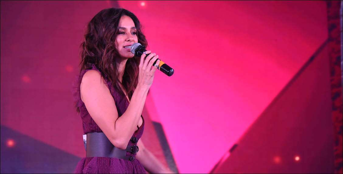 Shibani Dandekar takes centre stage for the evening