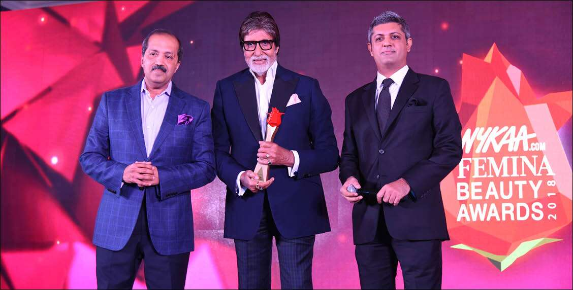 WWM CEO, Deepak Lamba and Mr Amitabh Bachchan suit up