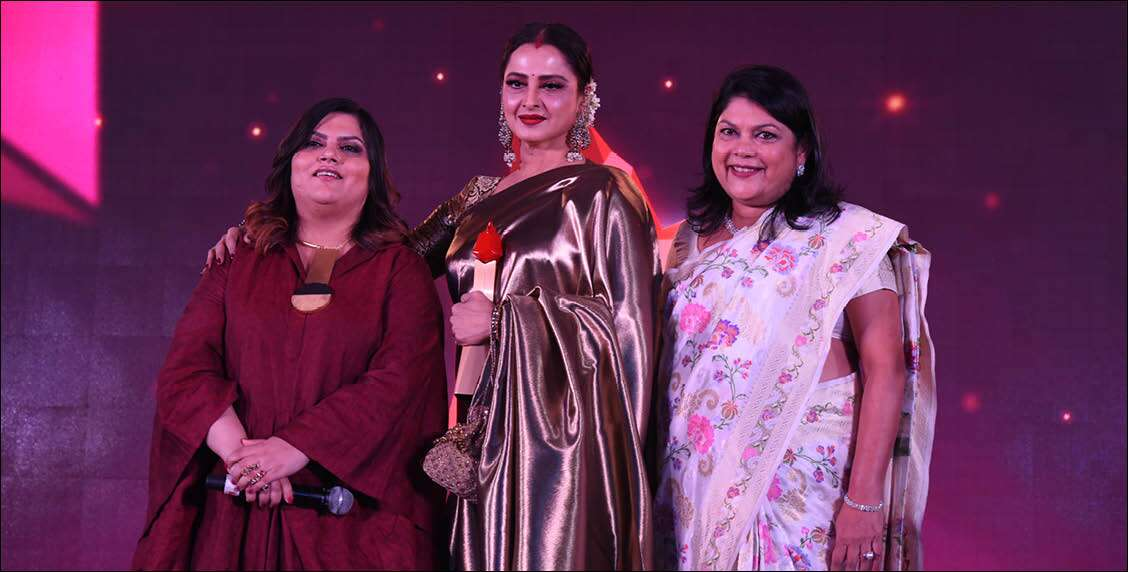 Founder and CEO, Nykaa.com, Falguni Nayar and Chief Community Officer and Editor, Femina, Tanya Chaitanya awards Rehka the Legendary Style Diva Award