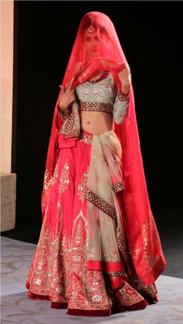 Anju Modi couture