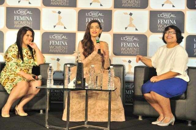 Sonam Kapoor Femina women awards 2015