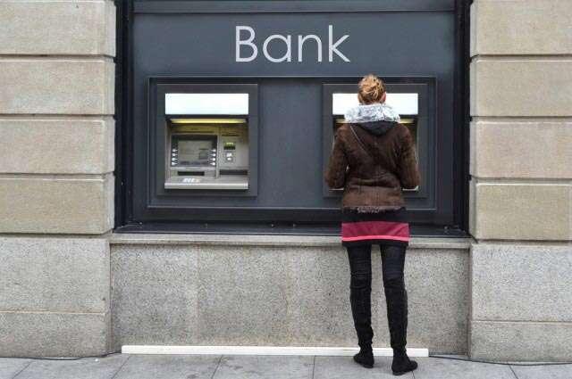 ATM women ICLIK
