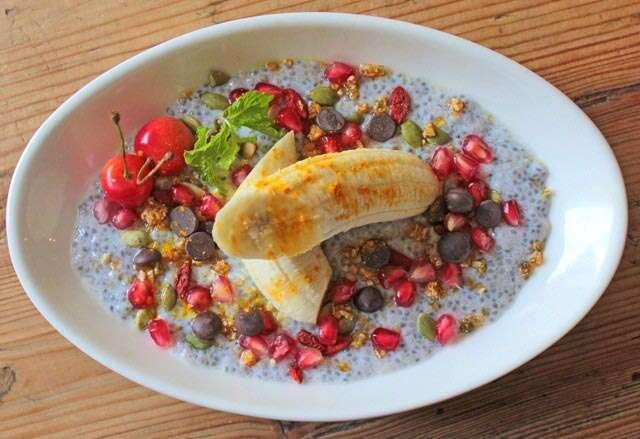 Banana split with chia seed pudding
