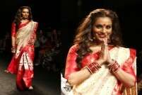 Bipasha Basu stuns as a Bengali bride at LFW 2016