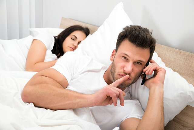 5 signs you're dating a womaniser