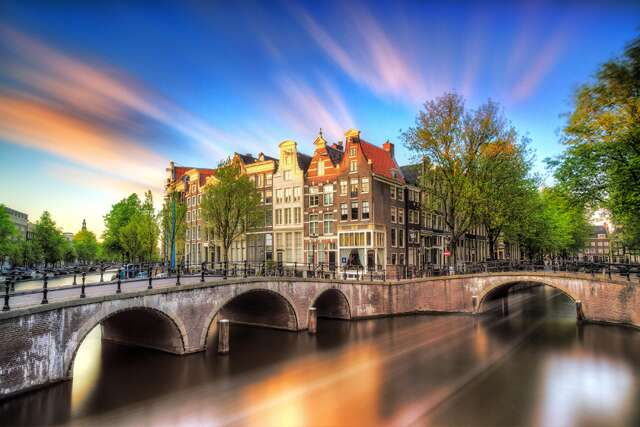 5 must-dos for solo woman traveller to Amsterdam