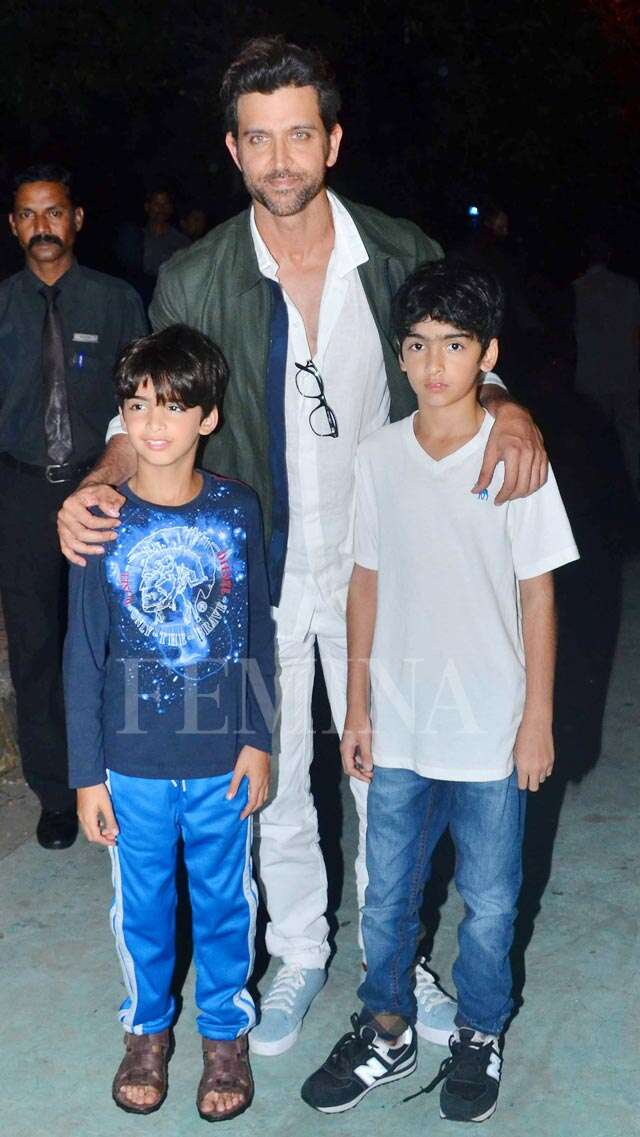 Hrithik and Sussanne dine out with sons Hrehaan and Hridaan