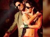 Katrina looking smoking hot in 'Kala Chasma' song: Alia
