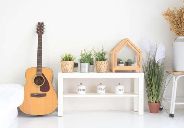 How to use musical instruments for stylish decor