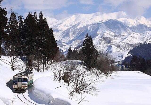 4 must-travel railway lines in Japan for an epic journey