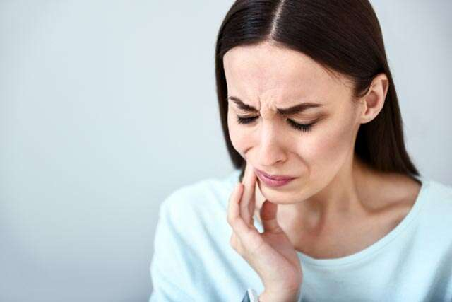 5 home remedies to ease toothache