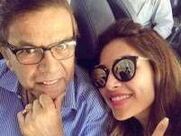 Bipasha Basu looks adorable with her dad in this latest selfie!