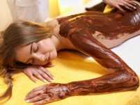 Top benefits of using chocolate on the body