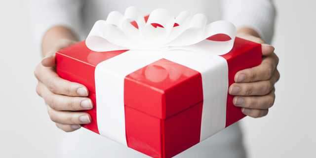 What jewellery can be given as gift on birthday's?