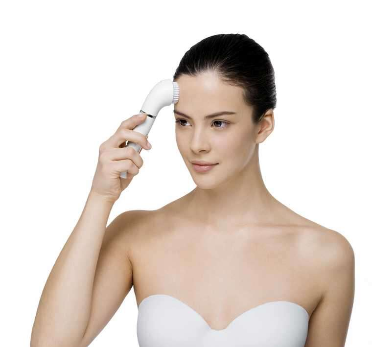 Why you need to invest in a facial-cleansing brush