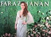 Kareena dazzles in golden gown at a Dubai fashion show