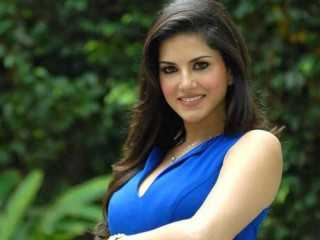 All three Khans have been very respectful: Sunny Leone