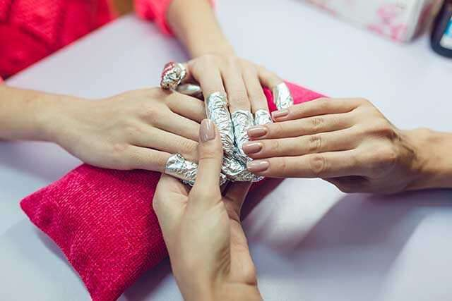 removing glitter from nail polish