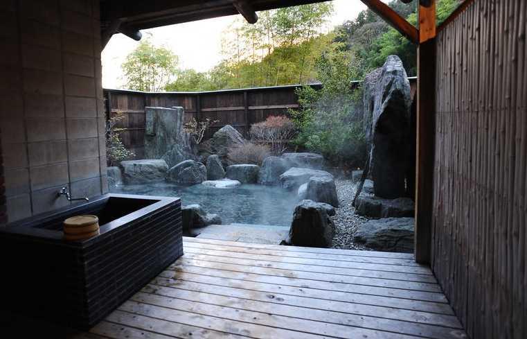 japan-hot-spring-onsen