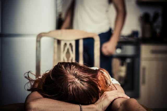 5 warning signs of emotional abuse | Femina in