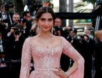 Sonam Kapoor is a vision in a millennial pink gown