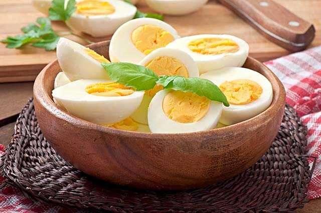 Los huevos reconstruyen el cabello dañado
