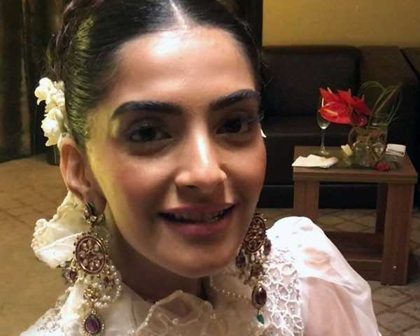 Sonam helps you prep up for the wedding day