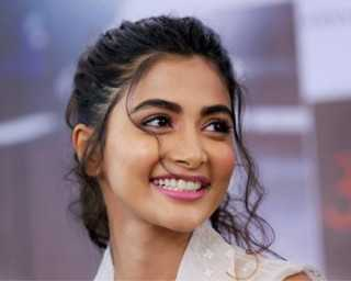 Pooja Hegde sure knows how to rock a ponytail