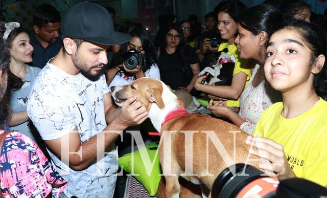 Kunal kemmu with dog