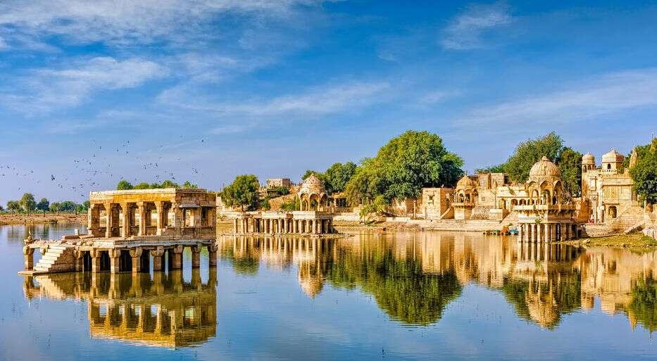 Gadisar-Lake-Jaisalmer-Rajasthan