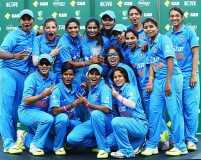 Celebrities congratulate Indian women's cricket team