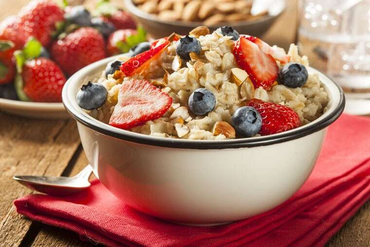 Eat high fiber and low carbohydrates breakfast