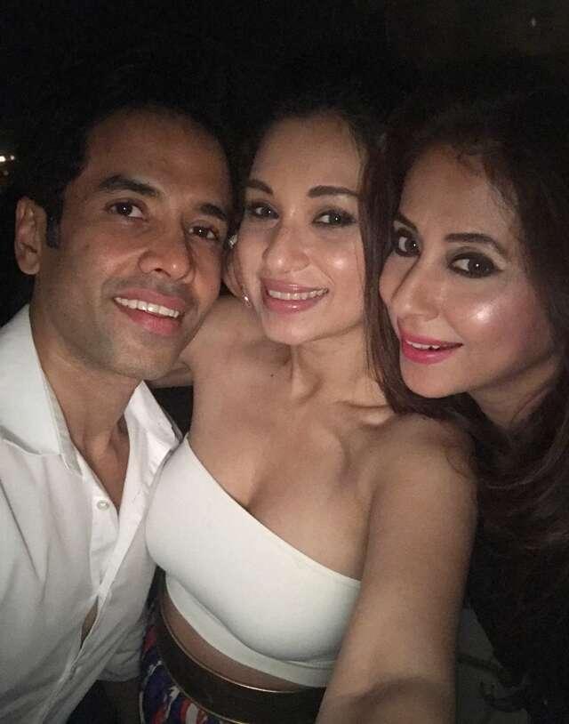 Tusshar, Nandita Mahtani and Tanisha Mukherjee