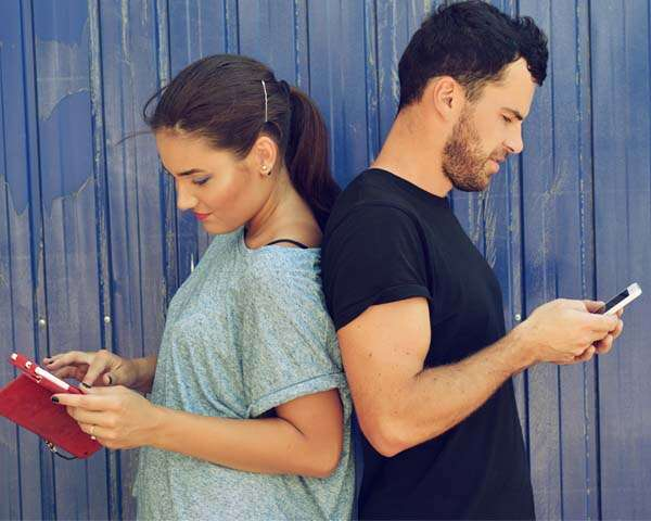 Relationship red flags to watch out for on social media
