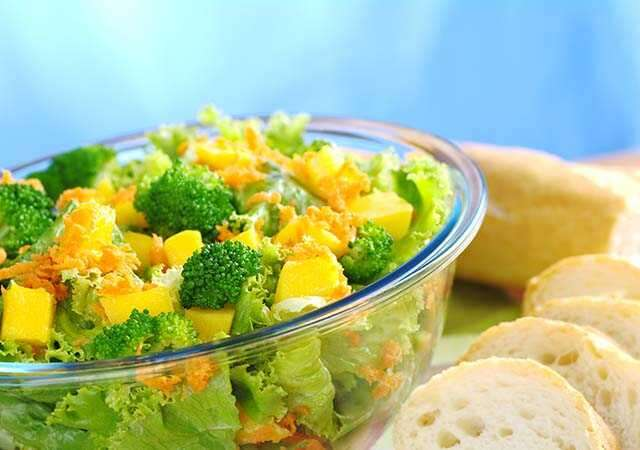 Carrot-broccoli-mango salad