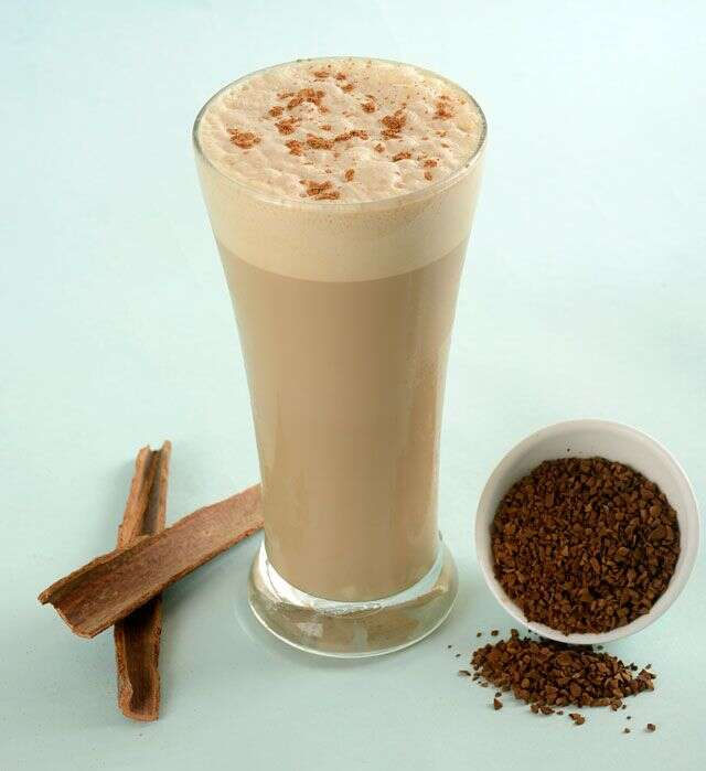 Coffee & cinnamon high-protein power smoothie