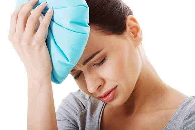 Use cold compress to reduce headaches