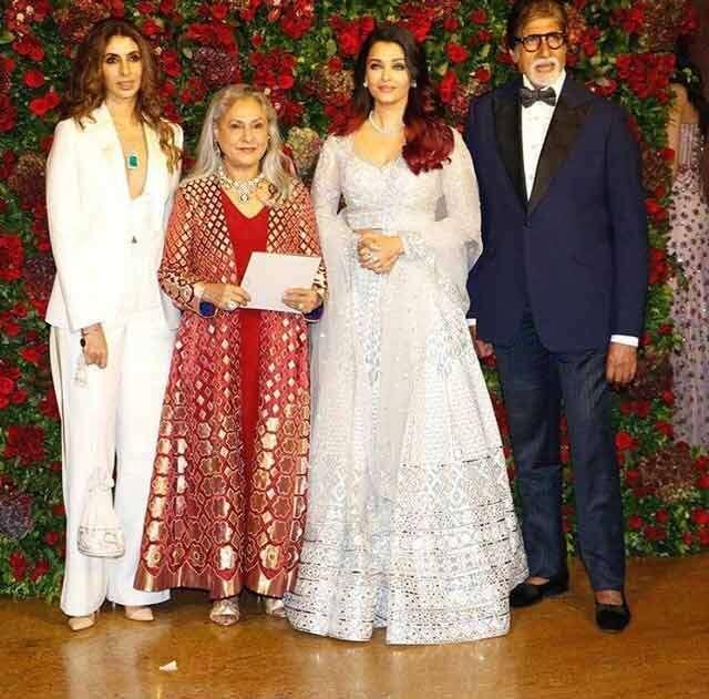 Shweta Bachchan-Nanda, Jaya Bachchan, Aishwarya Rai Bachchan and Amitabh Bachchan