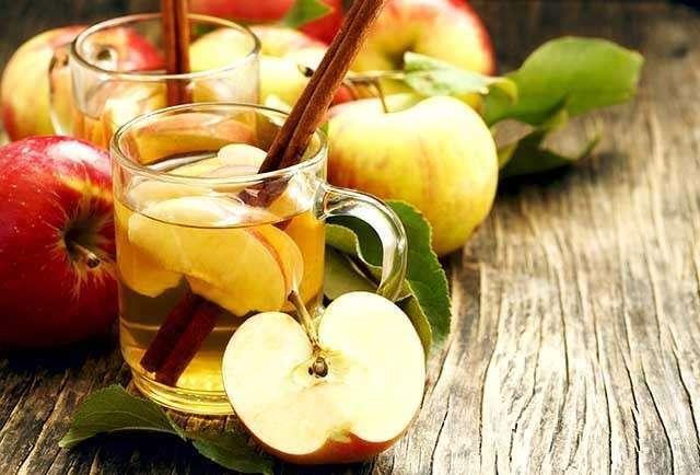 Benefits of Apple for the Skin - fresh and rejuvenating apple tea