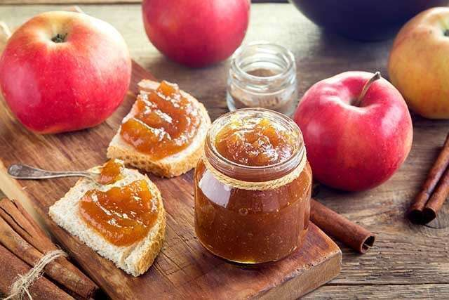 Benefits of Apple for the Skin - smooth and delicious apple butter