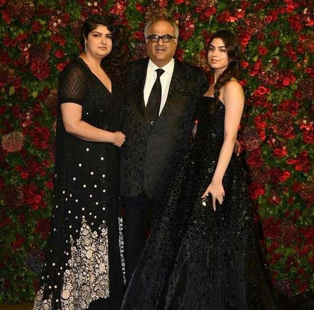 Boney Kapoor with daughters Anshula and Khushi Kapoor