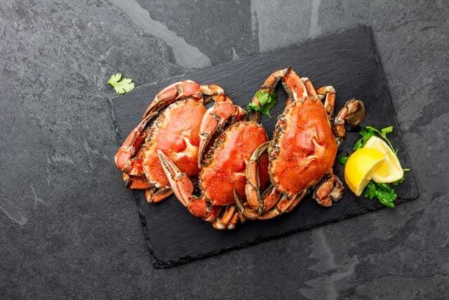 Foods rich in Vitamin B12 crabs and lobsters