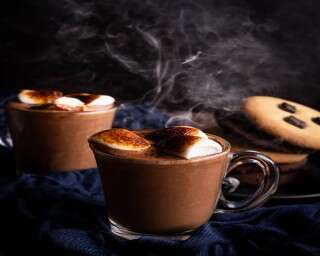 Easy drink recipe: Hot chocolate with marshmallows