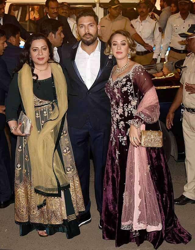Yuvraj Singh with wife Hazel Keech and mother Shabnam Singh
