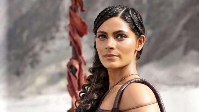 Saiyami Kher Hair Style