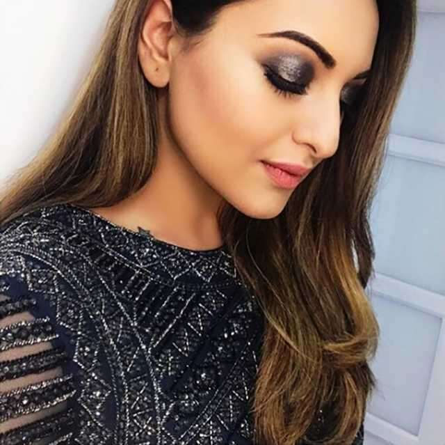 smoky eyes Sonakshi Sinha