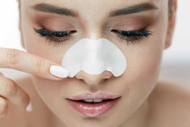 Baking soda for preventing blackheads