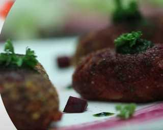 Quick bites: crunchy & delicious beetroot cutlets