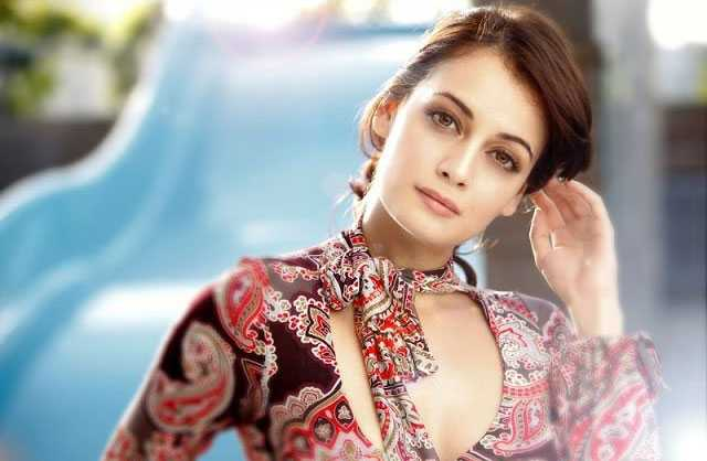 Hairstyles for A-Triangle face shape like dia mirza